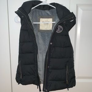 Abercrombie & Fitch Navy Hooded Puffy Vest